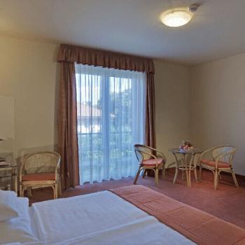 eletmodtabor-holisticacademy-martfu-spa-hotelszoba-1